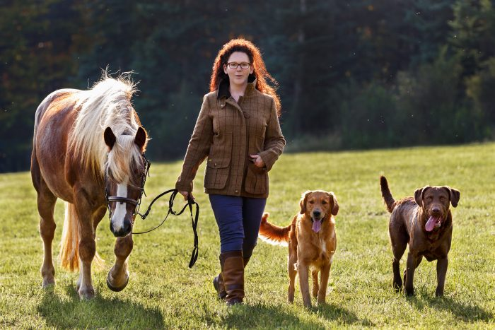 Portrait, woman, horse and dogs, outdoor, Andrea Schenke Photography, Wittlich, Fotograf