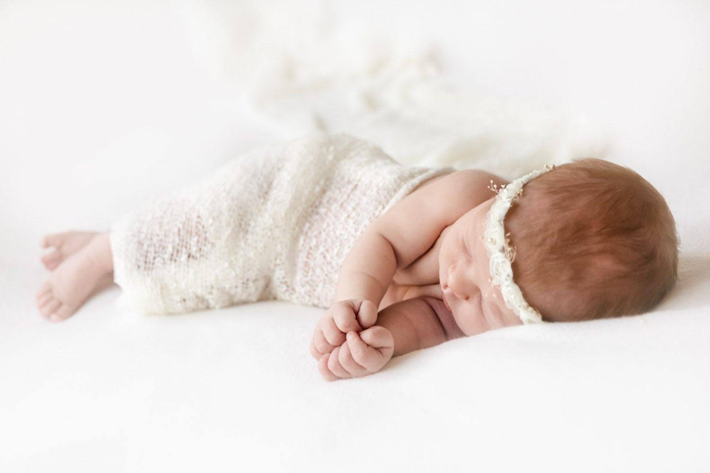 Newborn im September, indoor, Newborn Fotograf Wittlich, ANdrea Schenke Photography