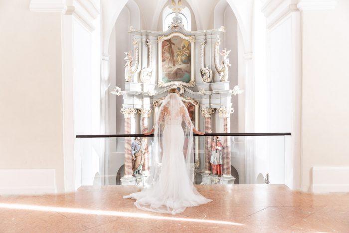 Hochzeit, Braut, Kloster Machern Barocksaal, Portrait, indoor, Andrea Schenke Photography, Wittlich