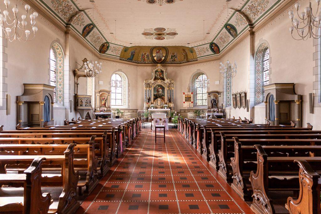 Hochzeit im Oktober, St. Georg Kirche Irsch, Andrea Schenke Photography, Hochzeitsfotograf WIttlich