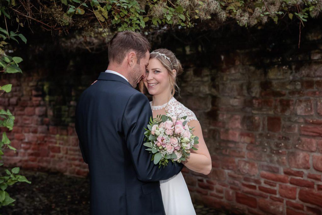 Hochzeit, Brautpaar, outdoor, Novemberhochzeit, Hochzeitsfotograf Wittlich, Andrea Schenke Photography