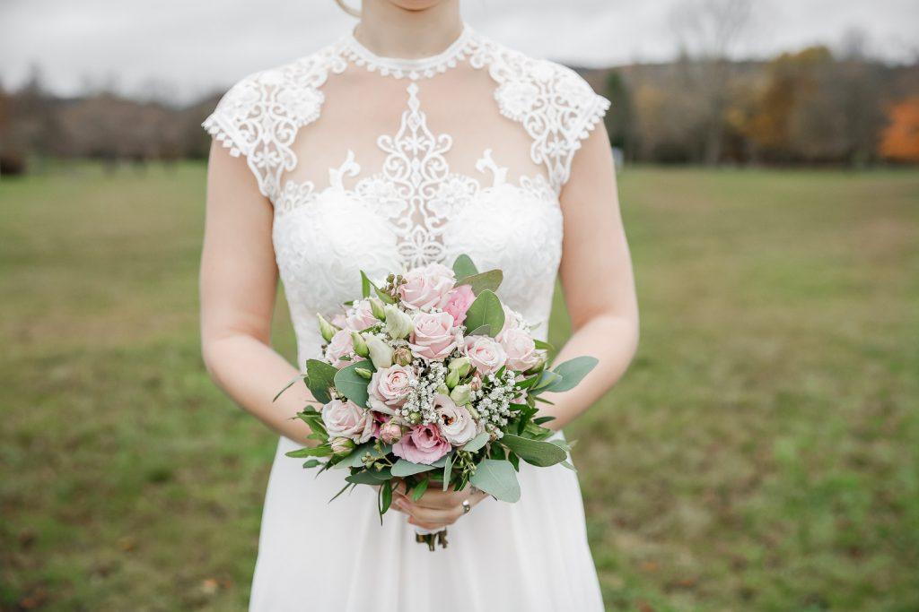 Hochzeit, Brautstrauss, Close-up, Novemberhochzeit, Hochzeitsfotograf Wittlich, Andrea Schenke Photography