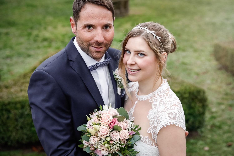 Hochzeit, Brautpaar, outdoor, Closeup, Novemberhochzeit, Hochzeitsfotograf Wittlich, Andrea Schenke Photography