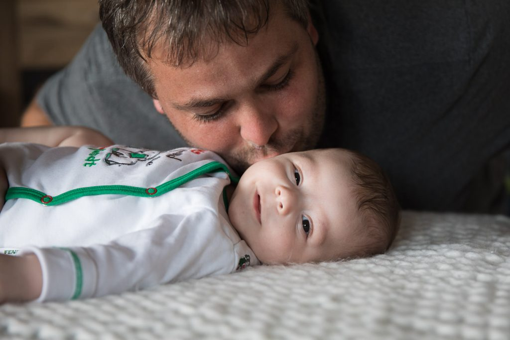 Babyfotografie, Vater und Sohn, Homestory, Andrea Schenke Photography, Fotograf Wittlich